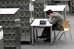 czytelnik w Bibliotece UW