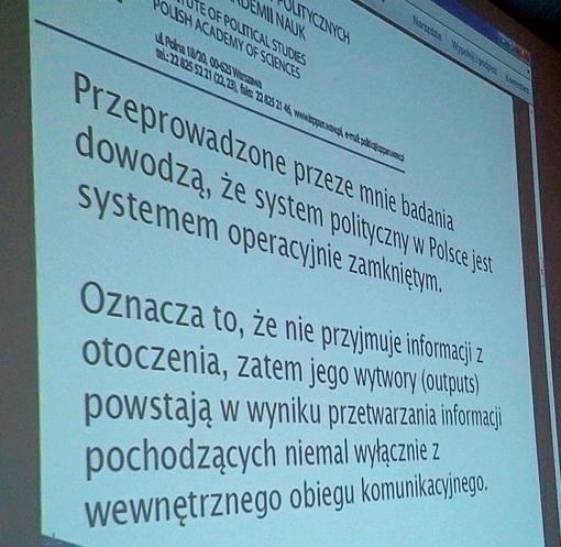 Jeden ze slajdów dzisiejszej prezentacji w OFL